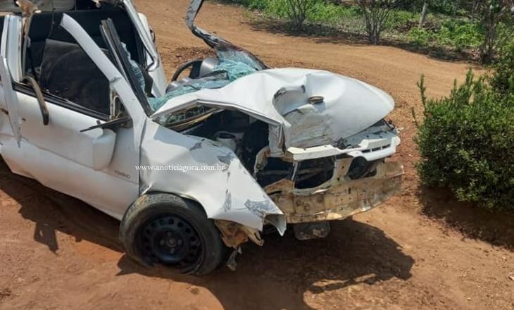 Jovem de 21 anos morre após carro capotar, bater em árvore e amassar ao meio RO 133 em Machadinho D'oeste 34